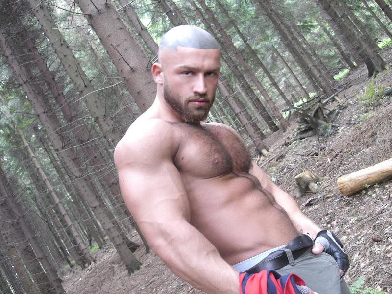 Fran%C3%A7ois+Sagat+in+woods.JPG