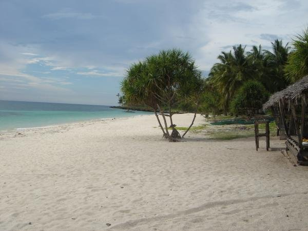 camotes white beach island
