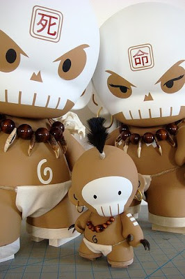 Huck Gee - Spike Munny and 20 Inch Skullhunter and Skullhuntress Munnys