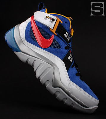 The Nike x Transformers Sneaker Set - The Soundwave Zoom Sharkalaid Sneaker