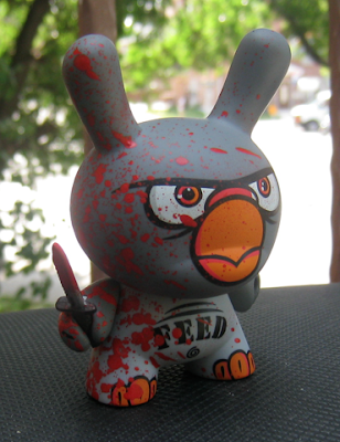 Kidrobot - Dunny Series 2009 PON Golden Ticket Artist Proof Murder Pigeon 3 Inch Dunny