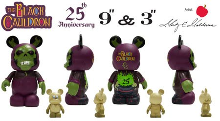 Taran e o Caldeirao Magico - Página 2 The+Black+Cauldron+Disney+Vinylmation+Set+-+9+Inch+Horned+King+%26+3+Inch+Gurgi+Vinyl+Figures