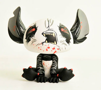 San Diego Comic-Con 2010 Vinyl Pulse Exclusive &#8220;Angry&#8221; Red Stitch by Angry Woebots
