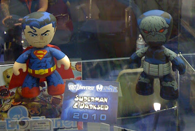 FIRST LOOK: DC Universe Superman & Darkseid Mez-Itz Vinyl Figure 2 Pack