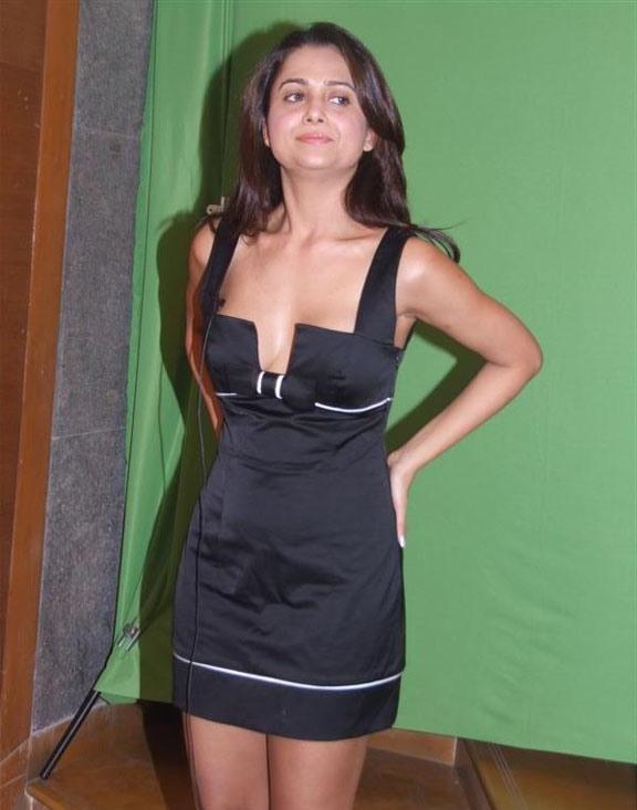 Celeb PHOTO » Sexy Girls Amrita Arora