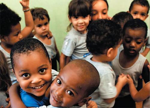 Ajude a construir o futuro de uma criança!