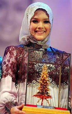 Aida - Khairul Noormaidah Zali juara gadis melayu tv9 musim pertama