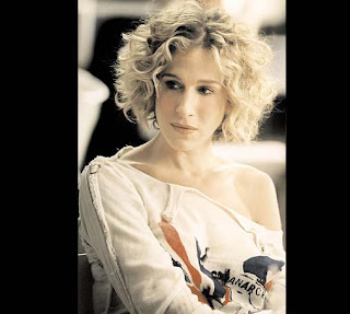 Carrie Bradshaw curly bob