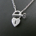 Give her the key to your heart~ Sterling silver