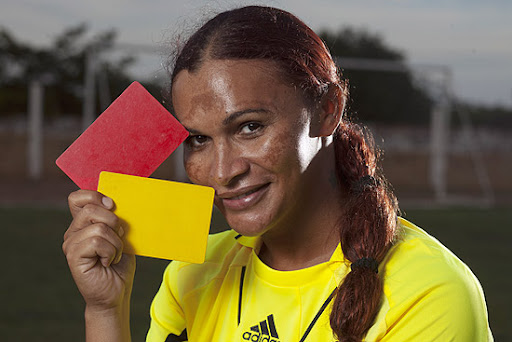Referee Valério Fernandes Gama: Man by day, woman by night