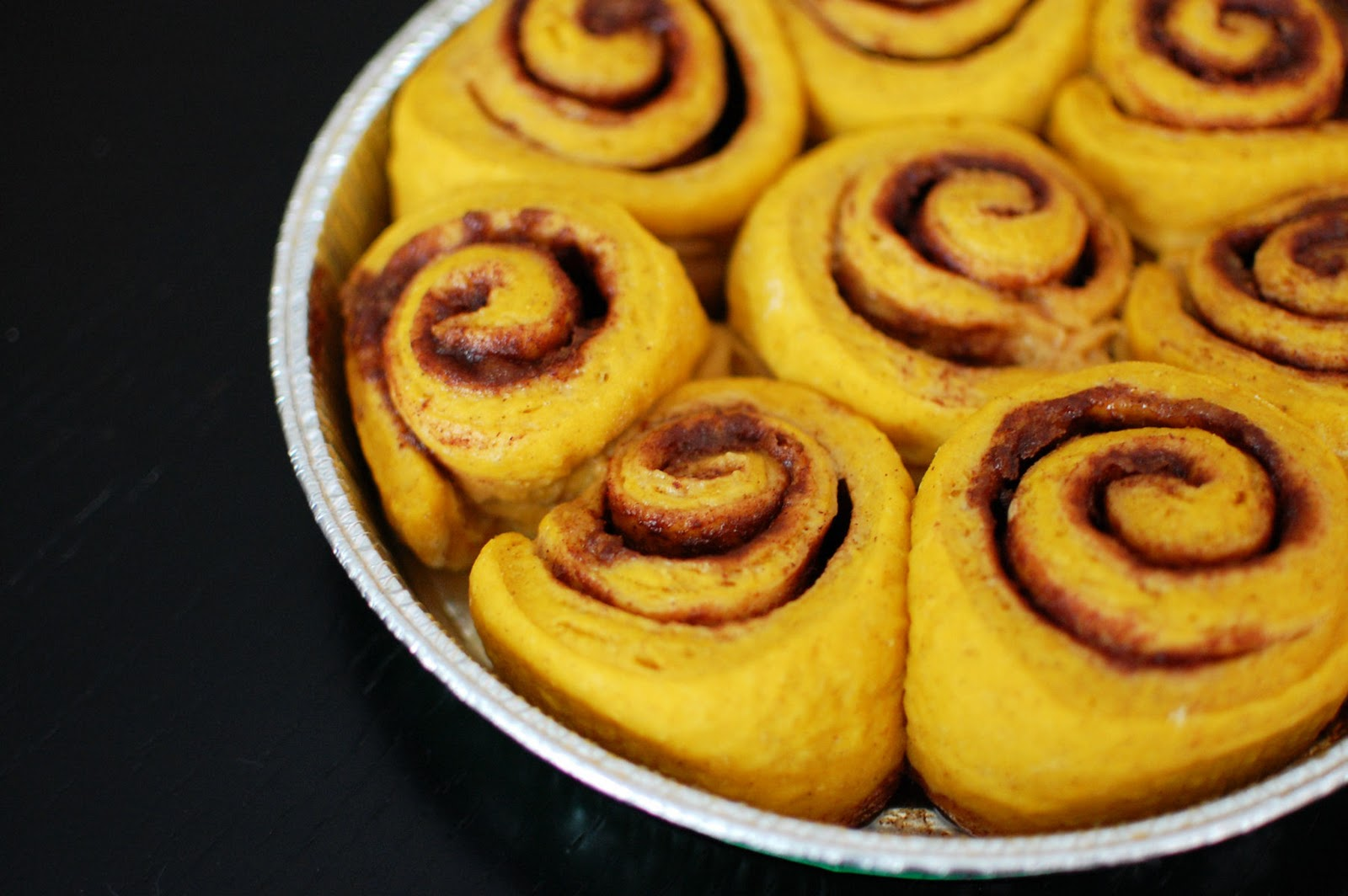 Pumpkin Cinnamon Rolls and How to Freeze Cinnamon Rolls ...