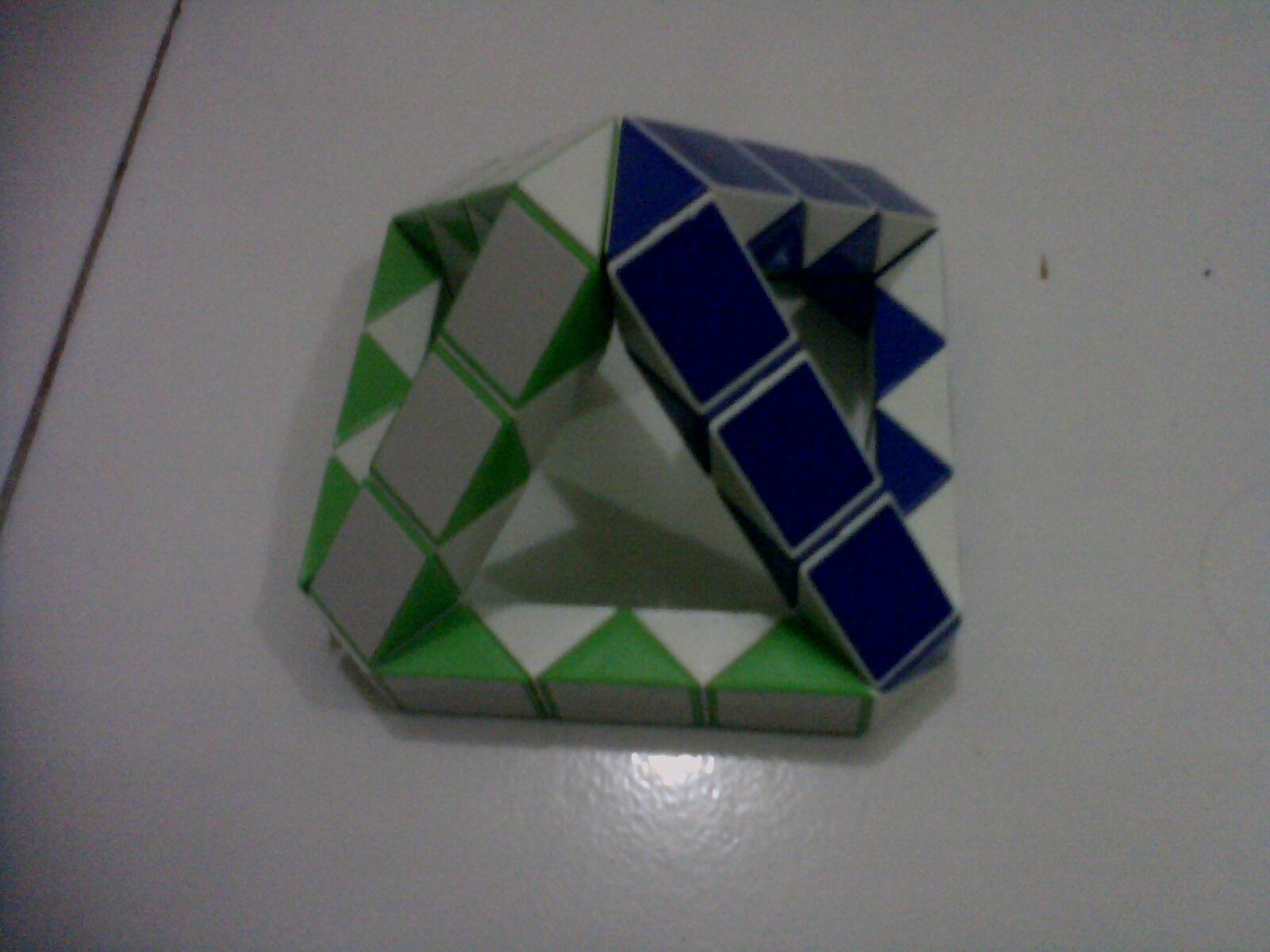 gambar 7. Piramid