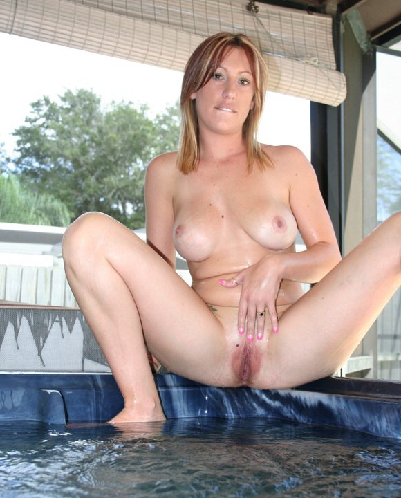 nude naked hot tub