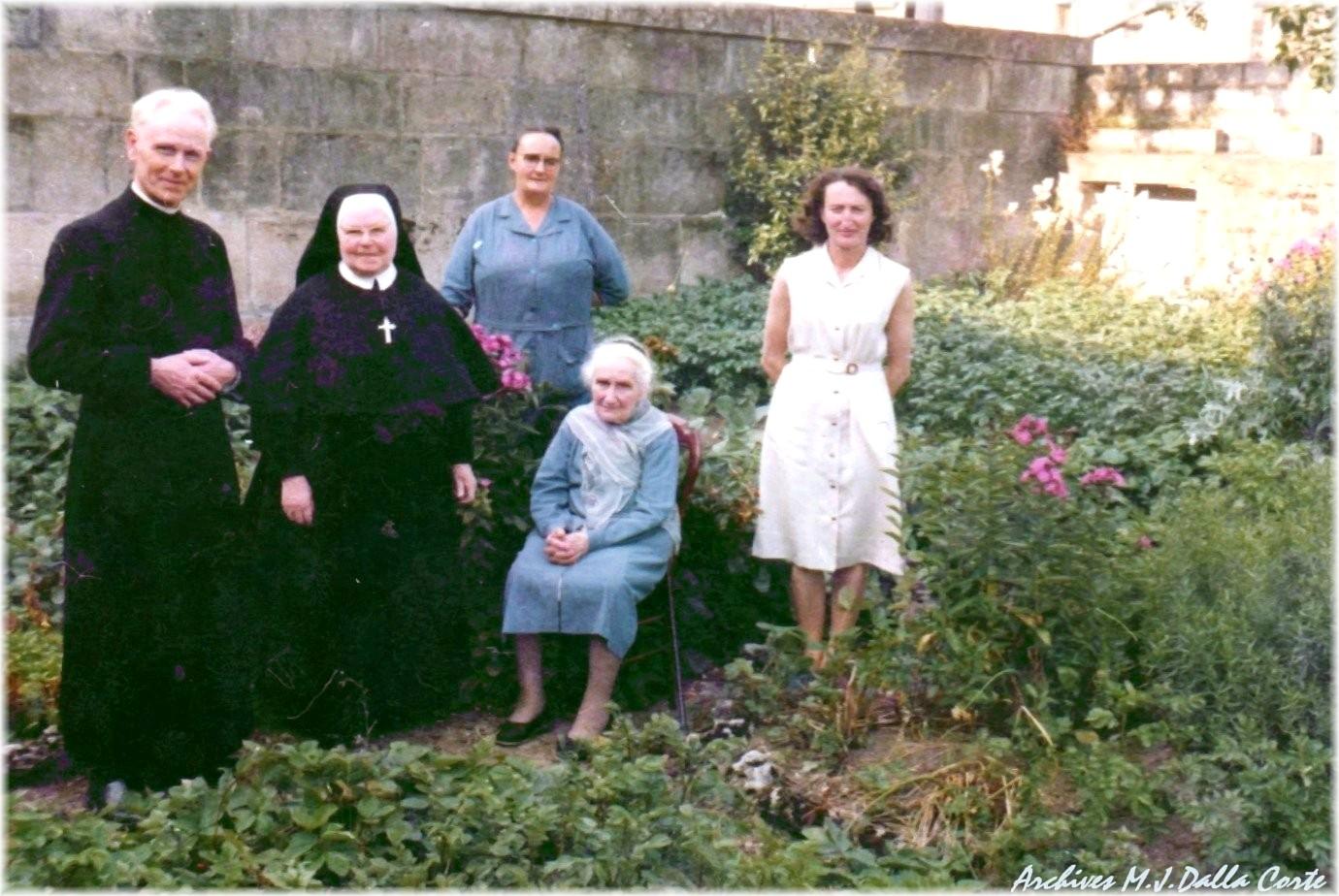 Haironville des temps pass s dans le jardin du presbyt re 1965 - Piscine dans petit jardin de ville saint paul ...