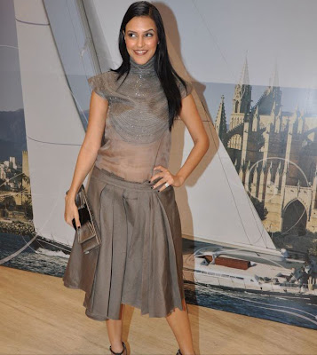 Neha Dhupia Hot Wallpapers, Neha Dhupia Hot Scene