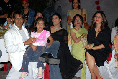 Ajay Devgan Latest News, Ajay Devgan Family Photos, Ajay Devgan Family Pictures, Bollywood News, Kajol Ajay Devgan Family