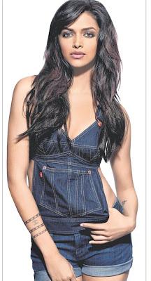 Deepika Padukone Chest Look Alike