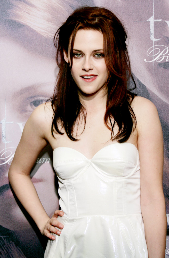 kristen stewart haircut. kristen stewart new hair 2010.