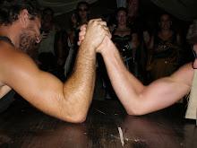 LUCHA DE BRAZOS -El deporte más antiguo-