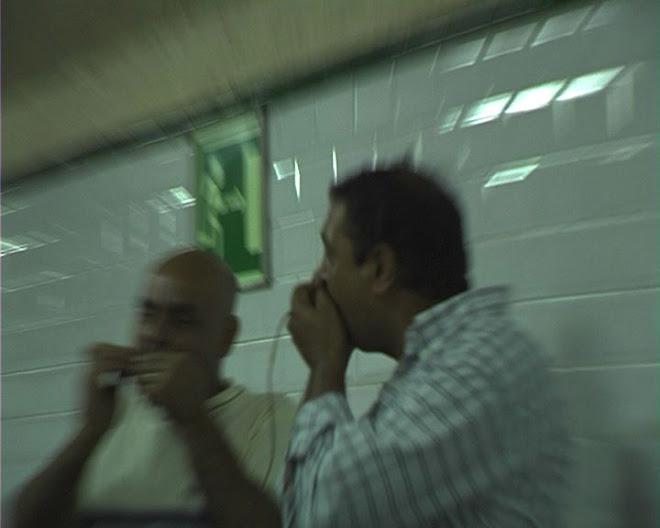 Metro, frontera, música, extranjero