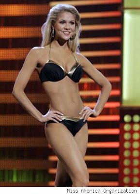 Kirsten Haglund in bikini