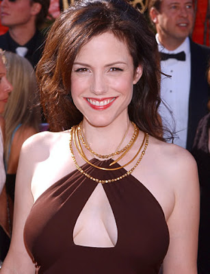 Mary-Louise Parker cleavage
