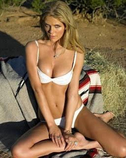 Brooklyn Decker photo bikini