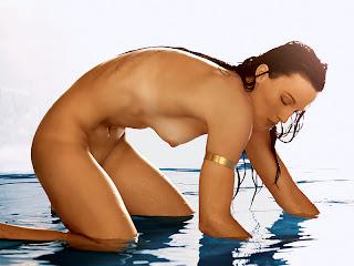 Beard nude Amanda