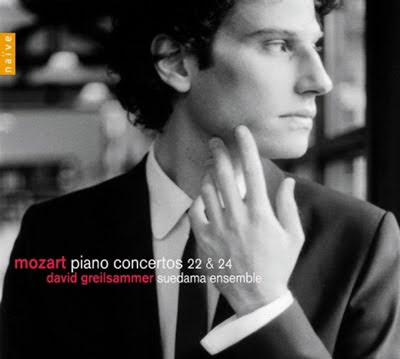 Conciertos para piano 22 y 24 de Mozart por David Greilsammer