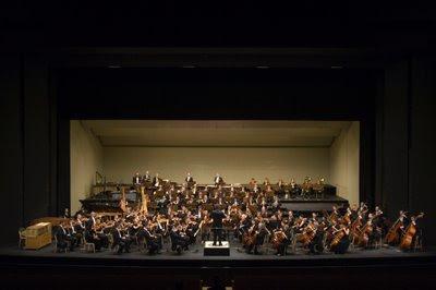 Real Orquesta Sinfónica de Sevilla con Pedro Hallfter (© Guillermo Mendo)