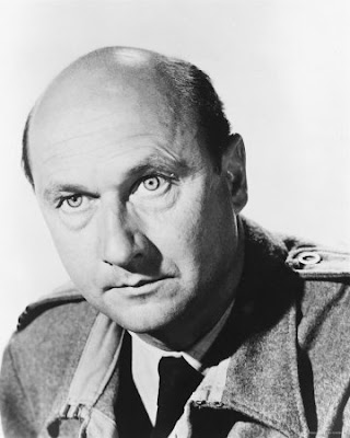 Top 10 Favorite Bond Character's  of all time? Donald-Pleasence-Photograph-C10104394