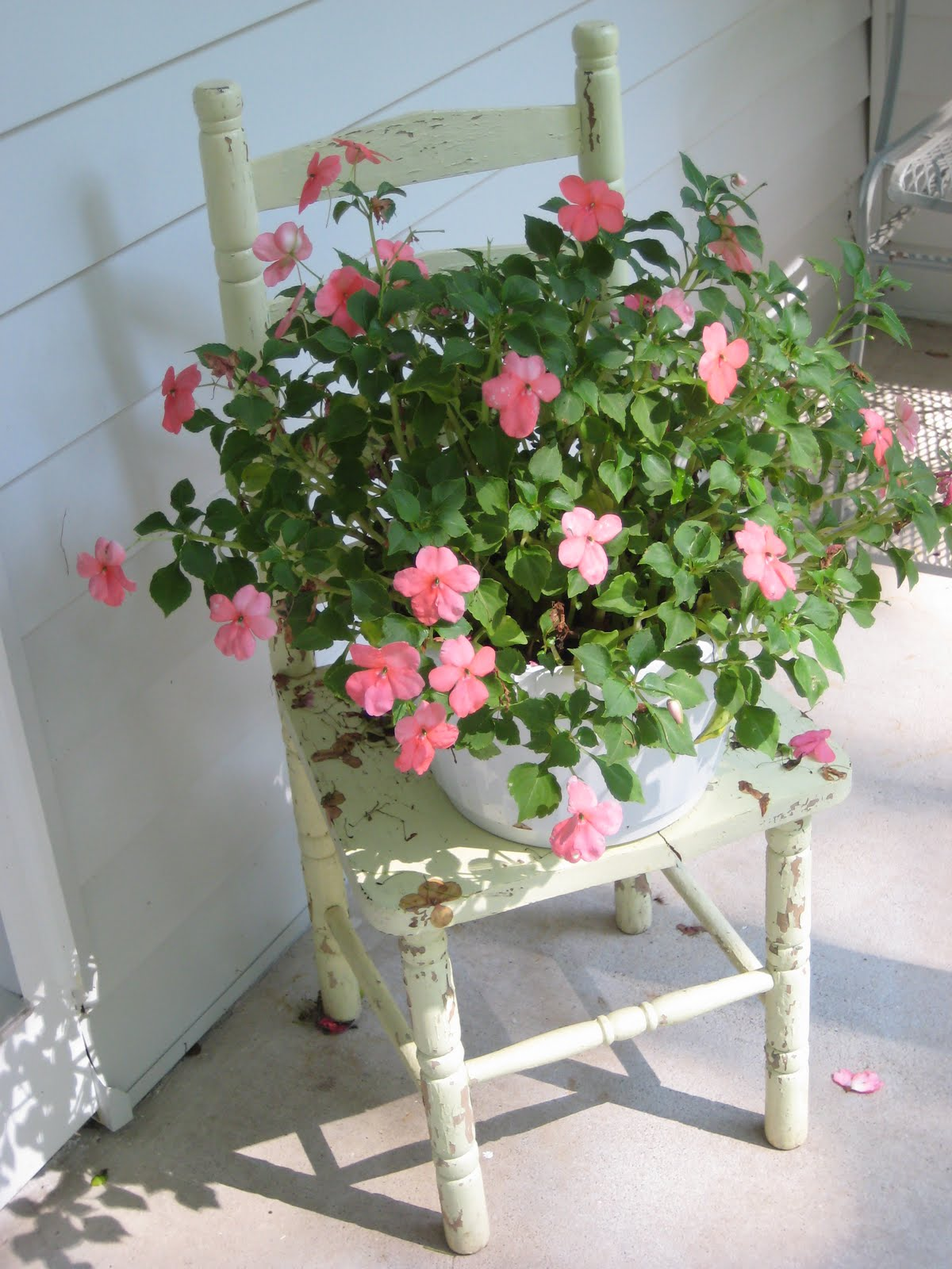 Decorating With Antiques Prepossessing Of Garden Decorating with Antiques Photos