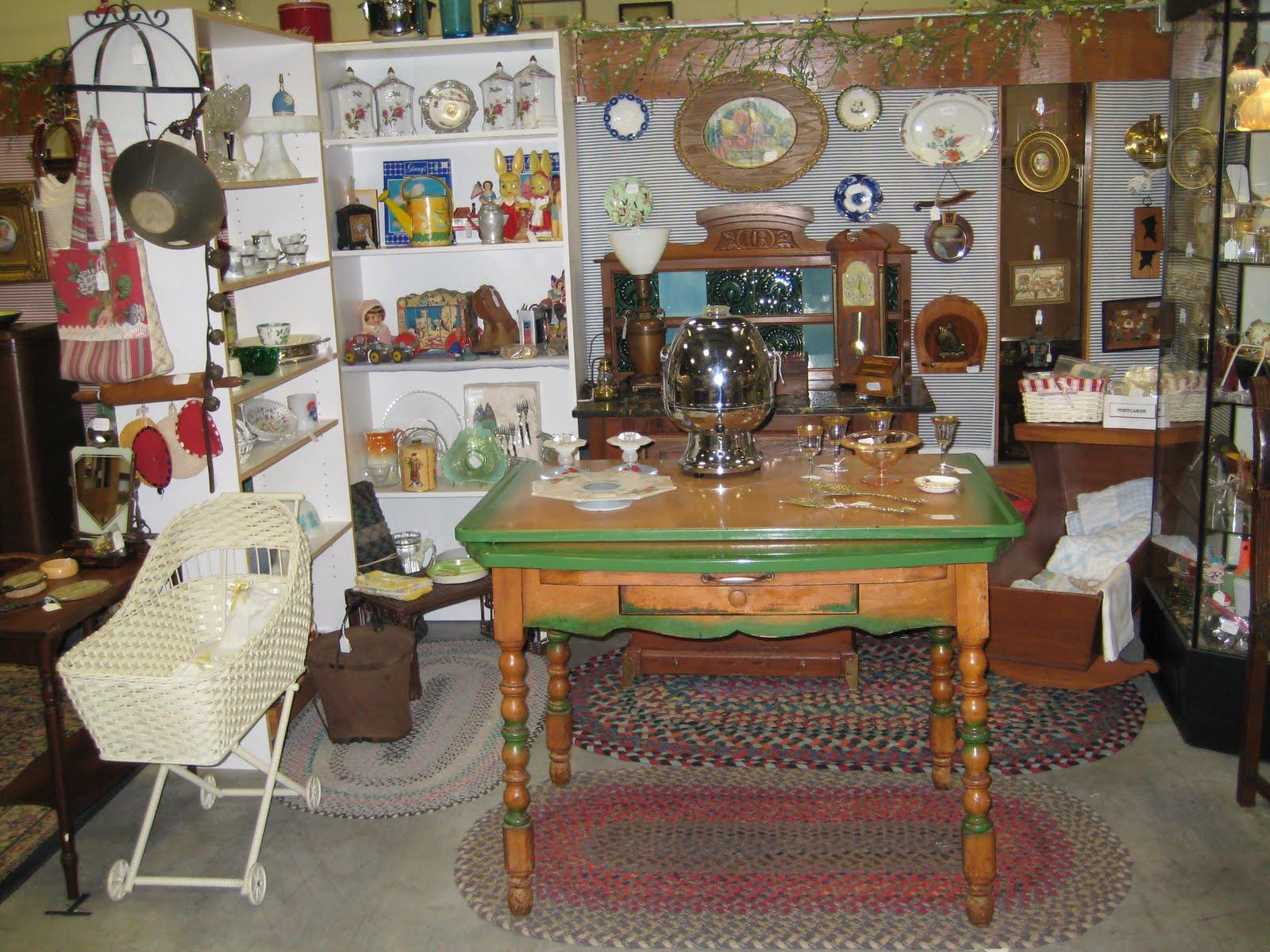 C Dianne Zweig Kitsch n Stuff Antique Booth Display Ideas The Importance Of Planning