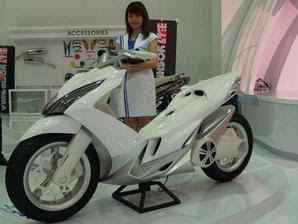 Modification Suzuki Aliean Scooter Booth