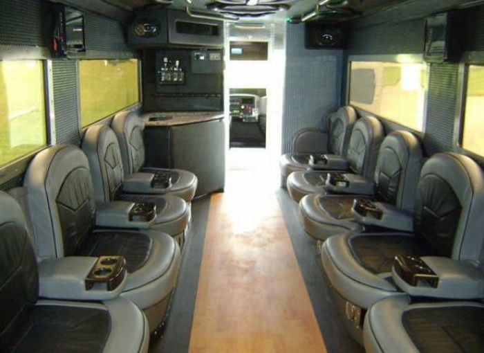 Luxurious Truck With Home Like Comfort PicsCrunch