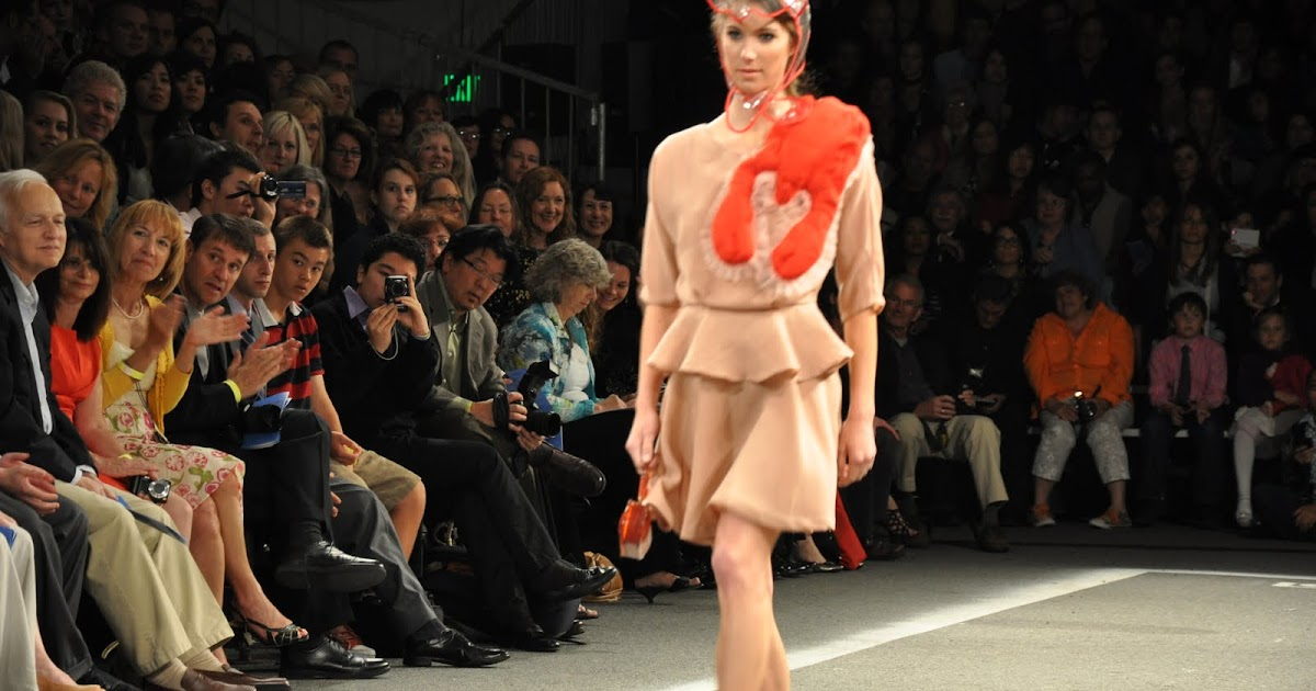 Fashion Show Runway Audience Hottest Fashion Style:...