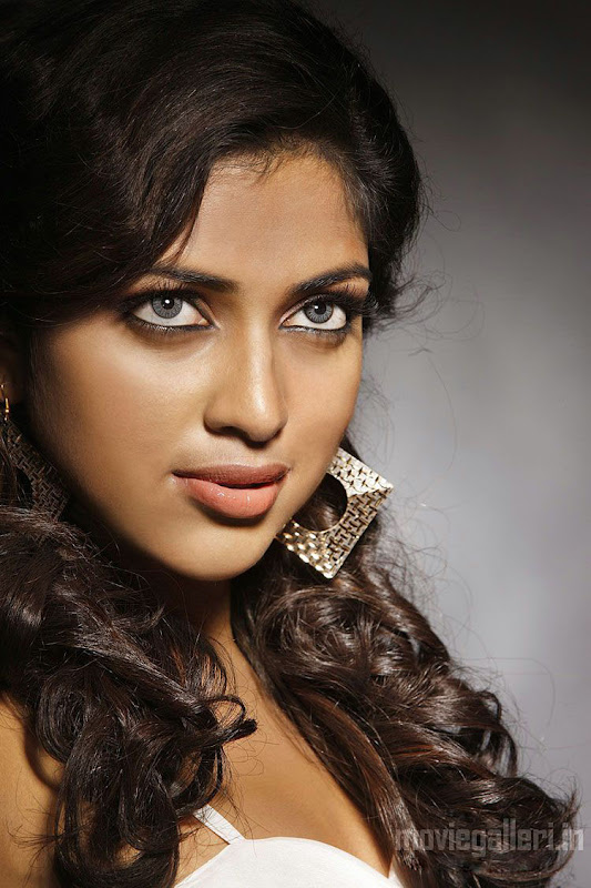 Actress Amala Paul Hot Photoshoot Stills & pics unseen pics