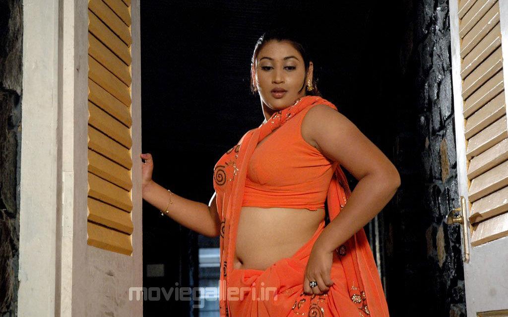 test: Tamil Actress Varshini Stills, Varshini Photo