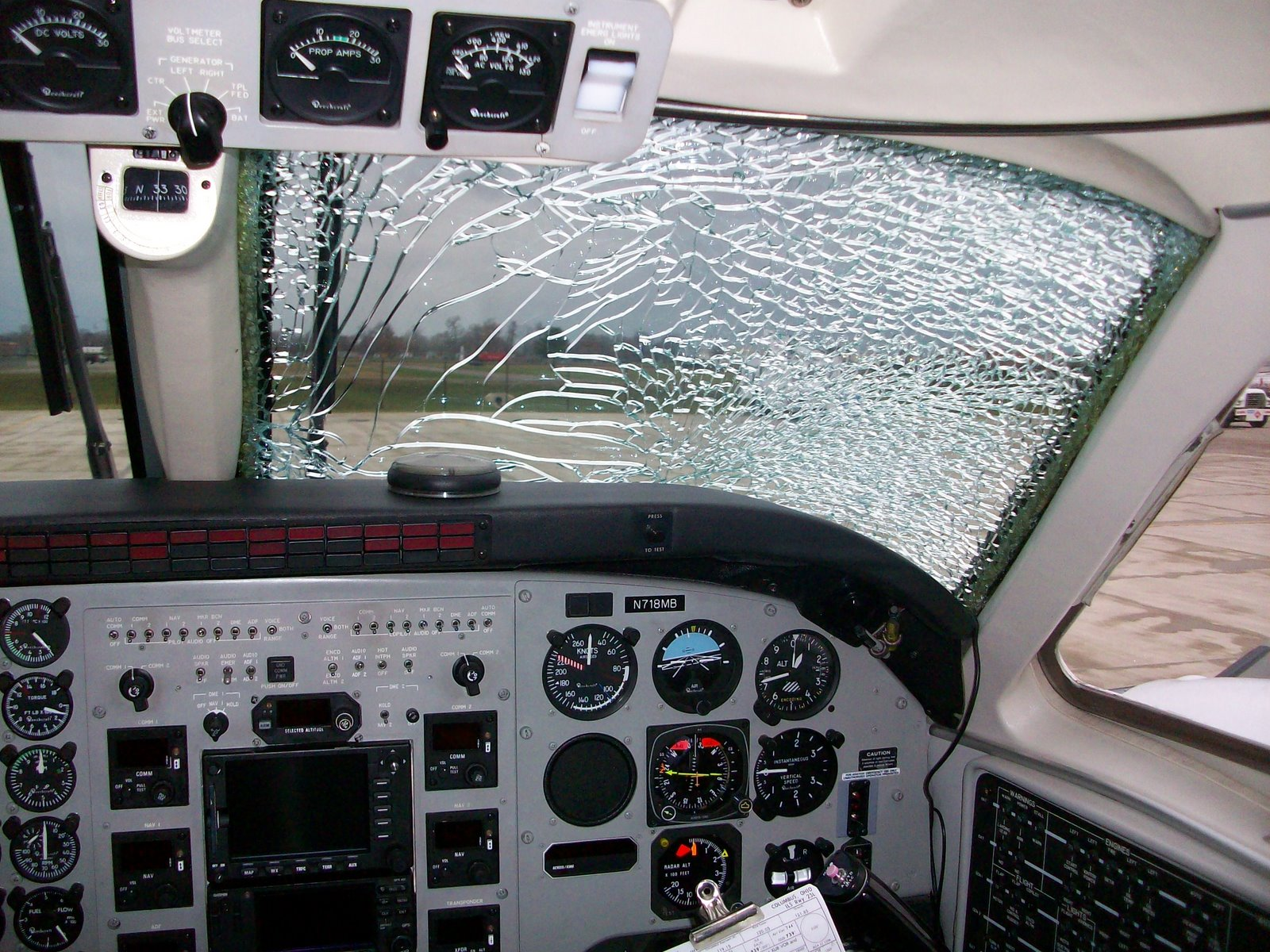 [Shattered+windshield]