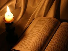 Lâmpada para os meus pés é tua palavra, e luz para o meu caminho. SL 119:105