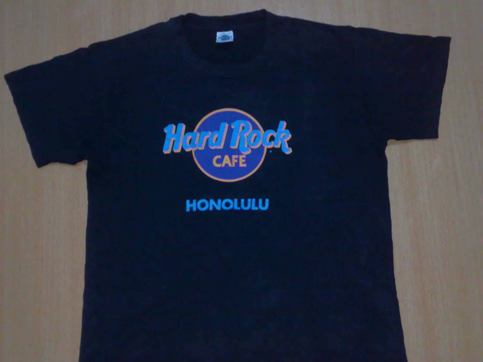 anak liar rocks vintage hard rock cafe honolulu t shirt. Black Bedroom Furniture Sets. Home Design Ideas