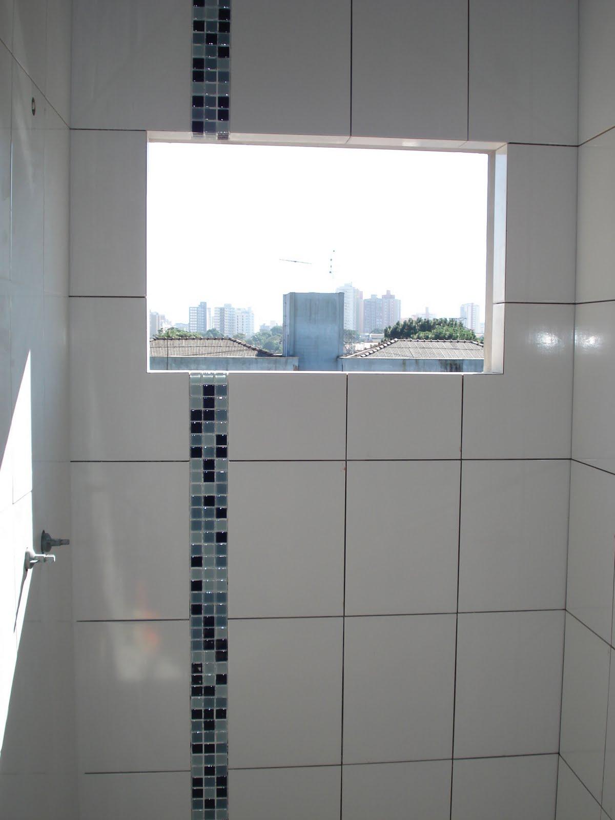 Nasce uma casa ***** O dia a dia de uma construção: Os banheiros #4F687C 1200x1600 Azulejo Para Banheiro Decorado