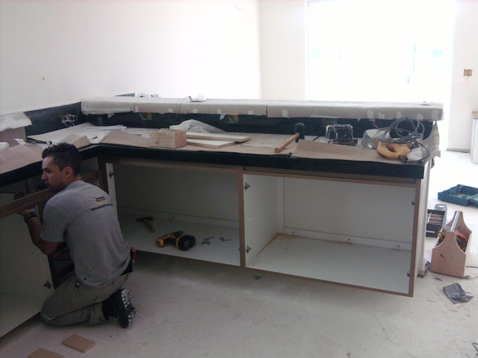 Nasce uma casa  O dia a dia de uma construção Cozinha