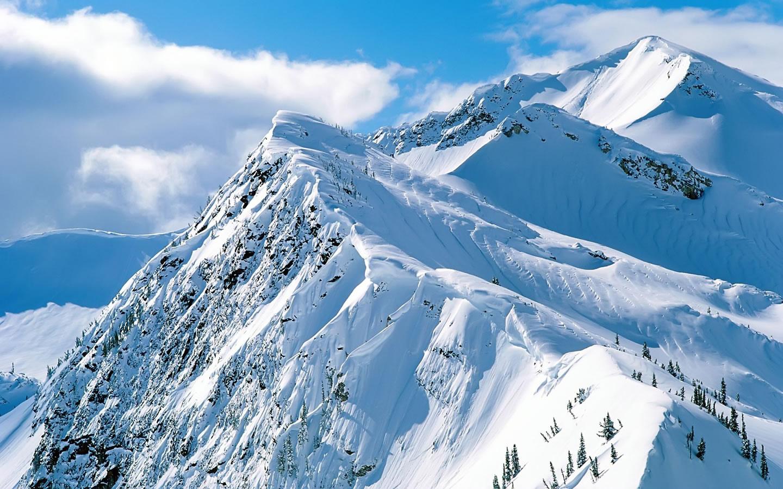 http://4.bp.blogspot.com/_enVLP57PrXw/TGlFpl6aw8I/AAAAAAAADRY/l_ht3jqlsVQ/s1600/hd-mountain-wallpaper-1440x900-1008104.jpg