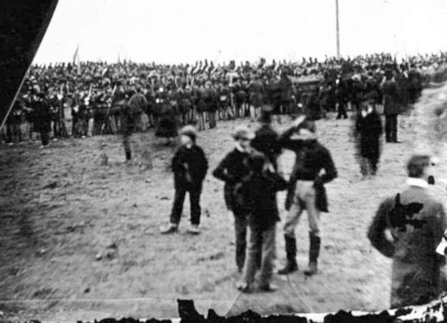 http://4.bp.blogspot.com/_eno8NXaEoxA/S9THxmBpvwI/AAAAAAAAB3Y/qmxsMRUD_yA/s640/gettysburg_basiago.jpg