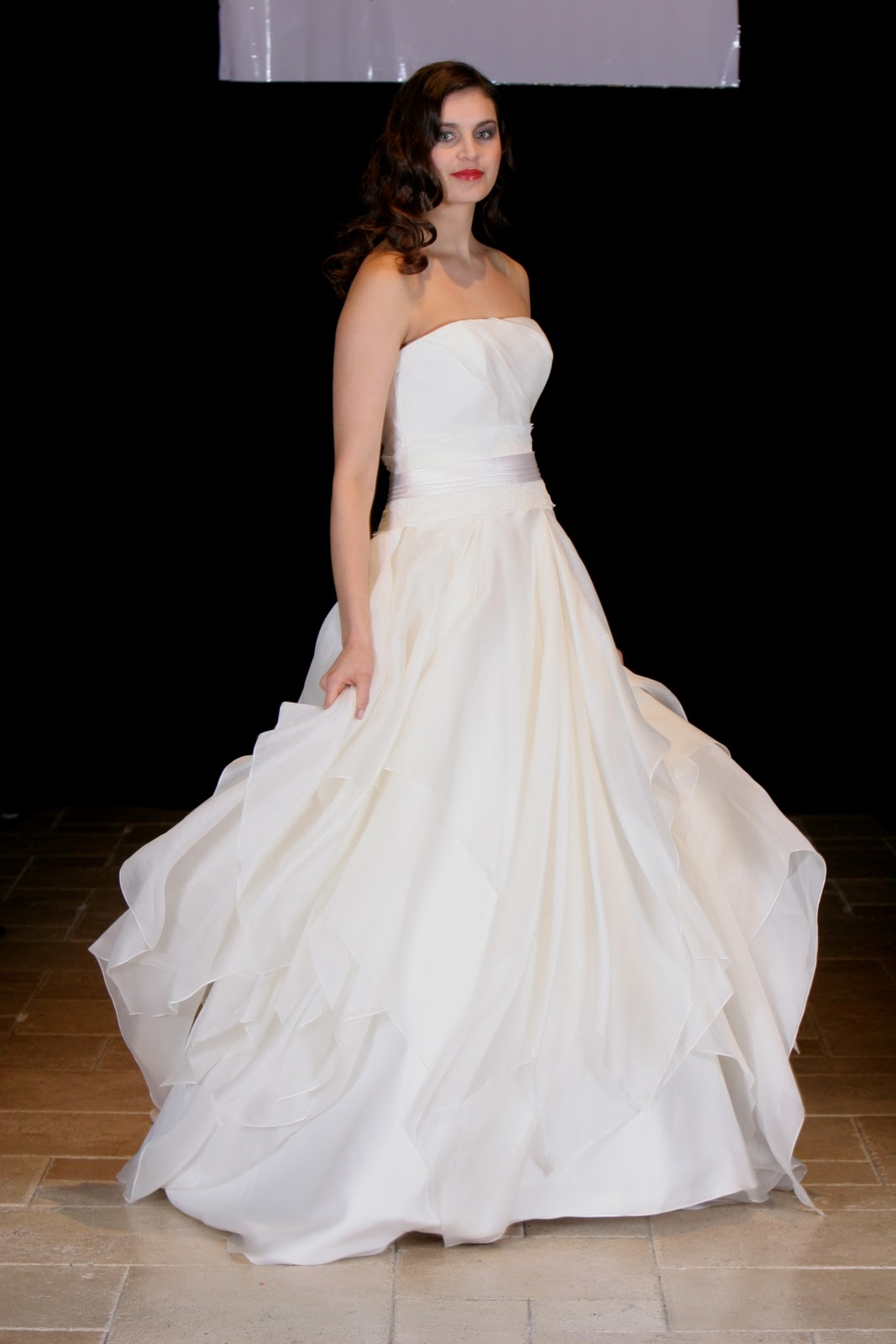 30 marvelous wedding dress shops new york for New york wedding dresses online