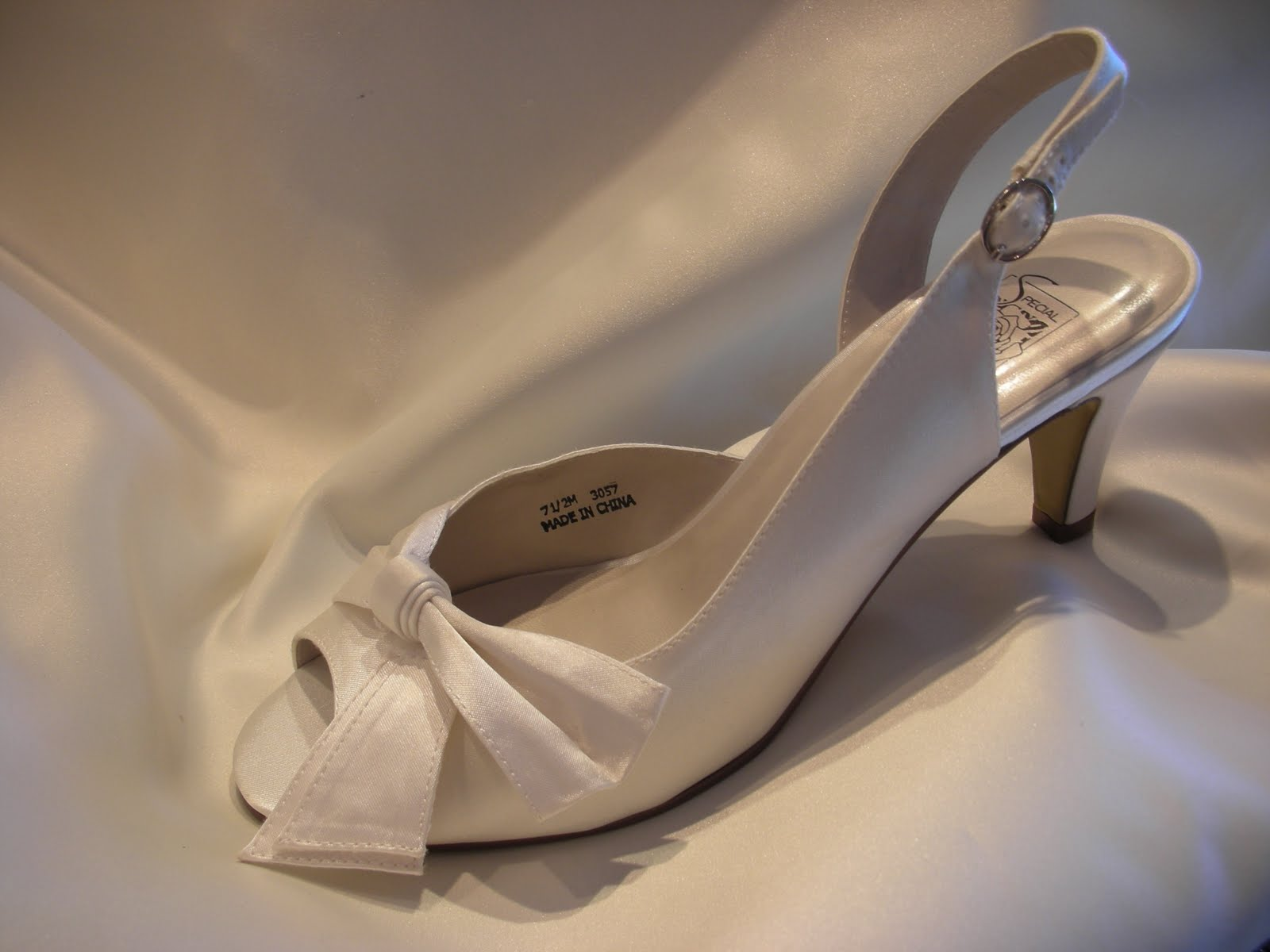Everything But The Dress: New Wedding Shoes! Low Heels too!