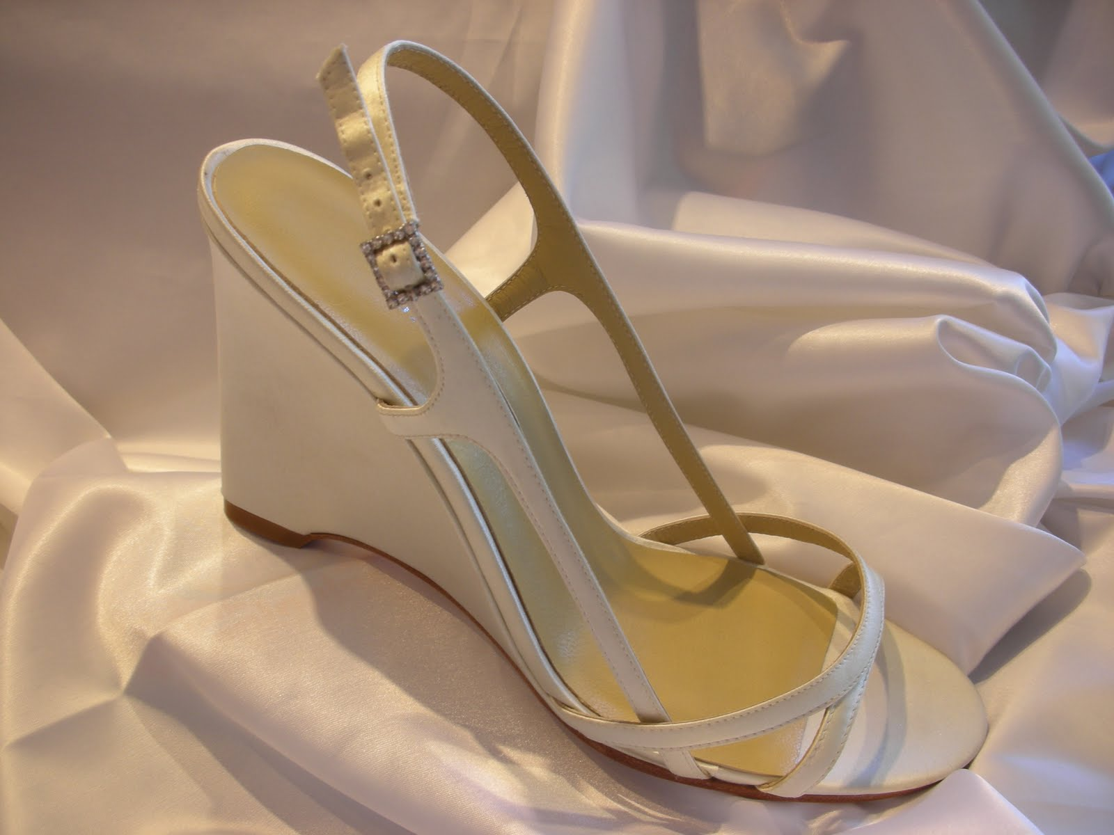 Everything But The Dress: Shoes for Beach Weddings | Fashion Gallery