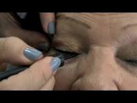 Dicas de maquiagem discreta e que valorizam o rosto maduro dos idosos