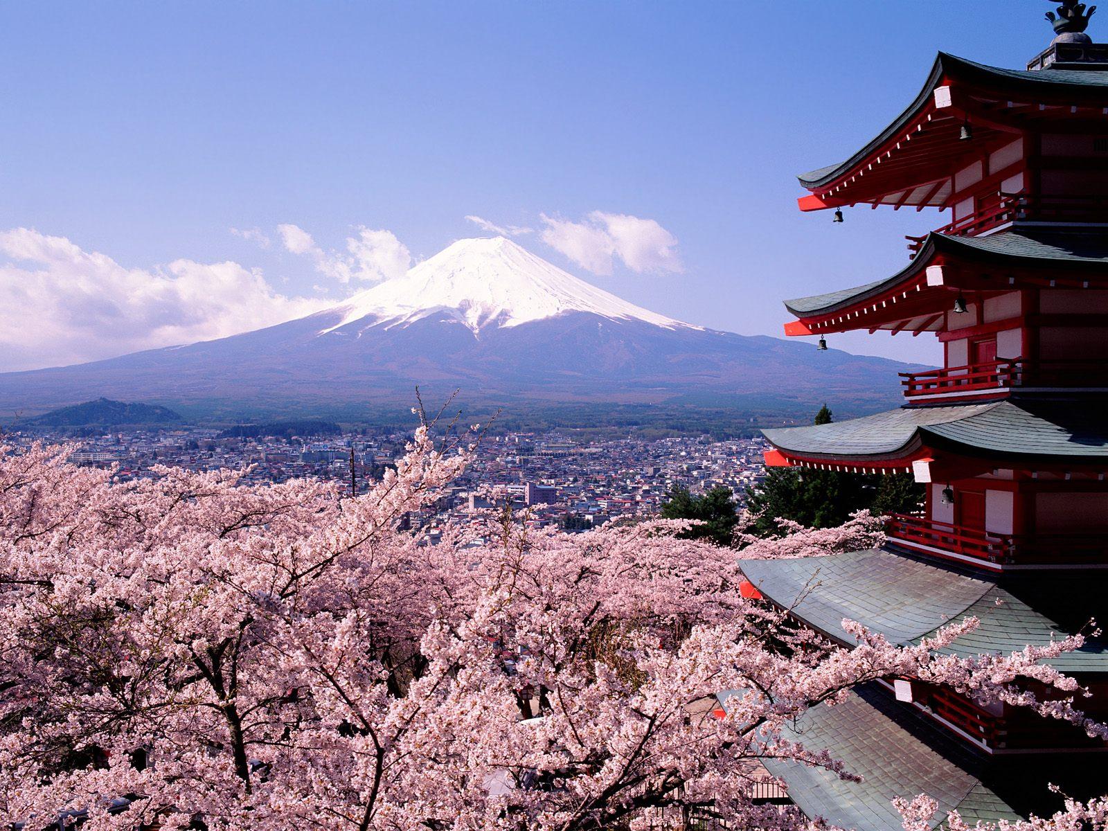 http://4.bp.blogspot.com/_esI-JjdXJLw/TI3pL0LV-SI/AAAAAAAAAEM/JukKoSG9mz4/s1600/Mt+Fuji+and+house.jpg